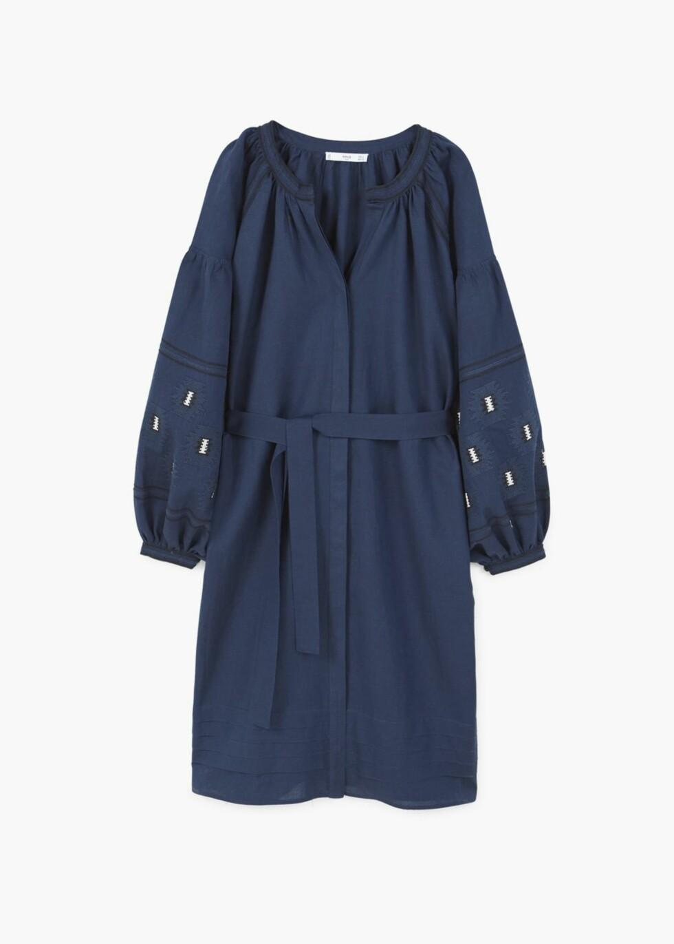 Kjole fra Mango   kr 899   http://shop.mango.com/NO/p1/damer/kl%C3%A6r/kjoler/midi/kjole-med-broderidetalj?id=83049018_69&n=1&s=prendas.vestidos&ts=1496925475215