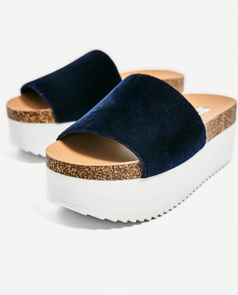 Sandaler fra Zara   kr 349   https://www.zara.com/no/no/trf/sko/kileh%C3%A6lsko-i-fl%C3%B8yel-med-plat%C3%A5s%C3%A5le-c358035p4424016.html