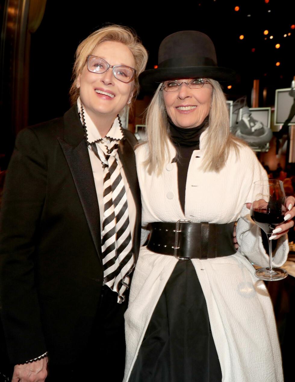 MERYL STREEP (68) OG DIANE KEATON (71): To Hollywood-yndlinger som både har gjort seg bemerket som skuespillere og modeller. De har begge to gjort modelloppdrag etter fylte 60. Dette bildet er fra 2017.  Foto: NTB Scanpix