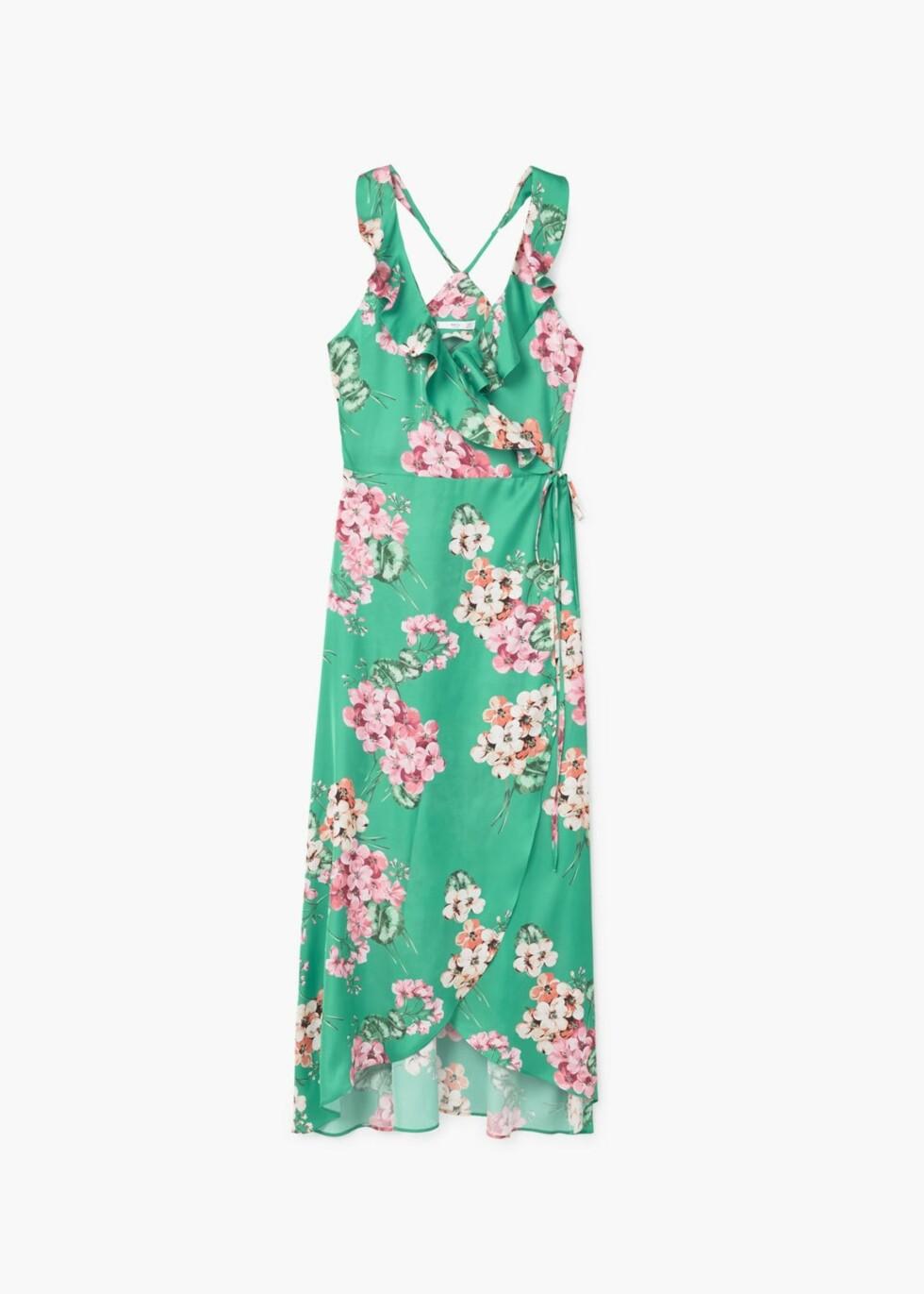 <strong>Kjole fra Mango | kr 699 | http:</strong>//shop.mango.com/NO/p1/damer/kl%C3%A6r/kjoler/lang/l%C3%B8s-kjole-med-blomstertrykk?id=81088818_43&n=1&s=prendas.vestidos&ts=1497882594270