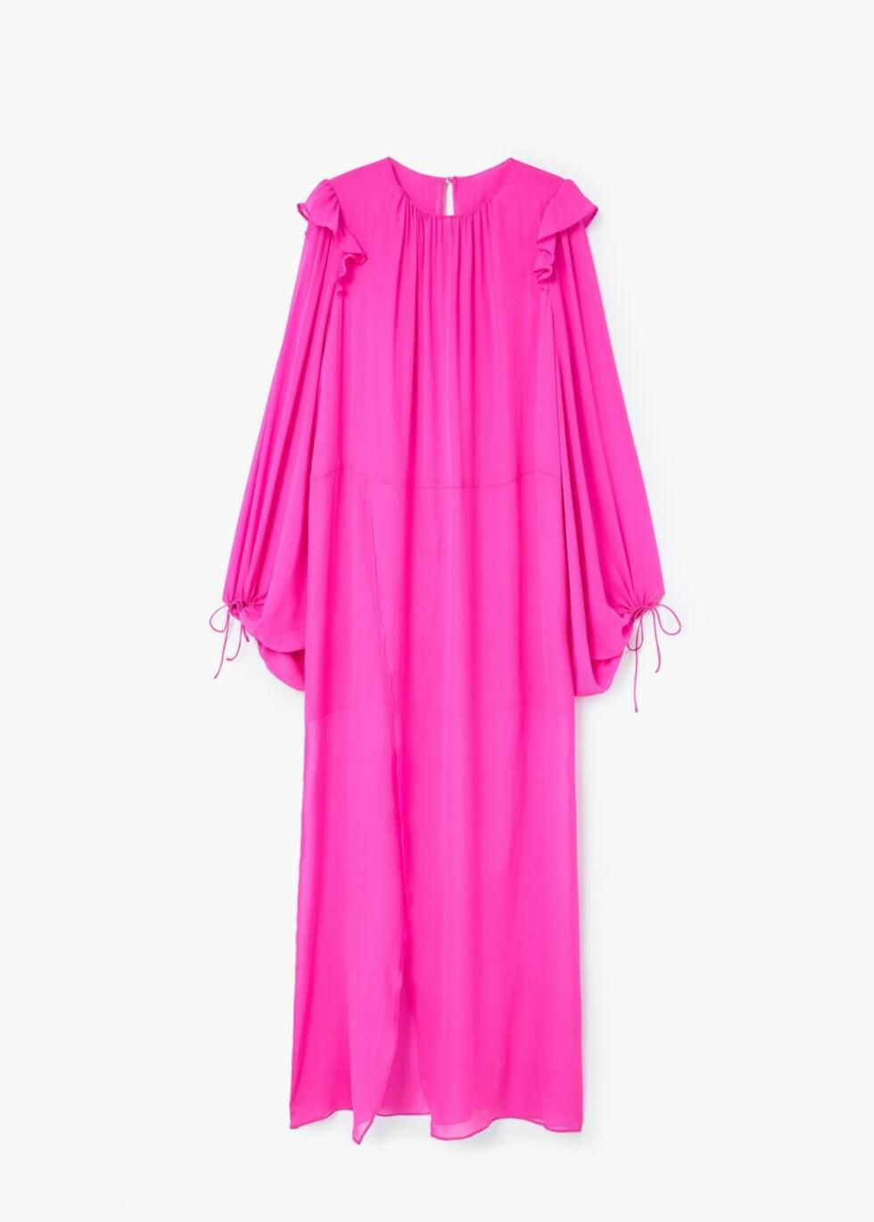 <strong>Kjole fra Mango | kr 1999 | http:</strong>//shop.mango.com/NO/p1/damer/kl%C3%A6r/kjoler/lang/kjole-i-100--silke?id=81045605_88&n=1&s=prendas.vestidos&ts=1497882594270