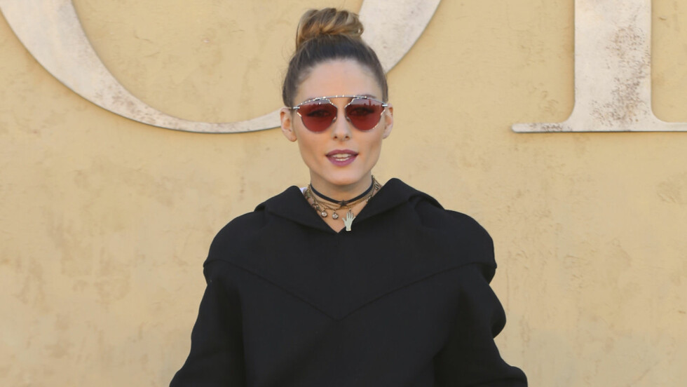 IT-BRILLENE: Ifølge it-jentene er denne solbrillemodellen et must i sommer! Foto: INVISION