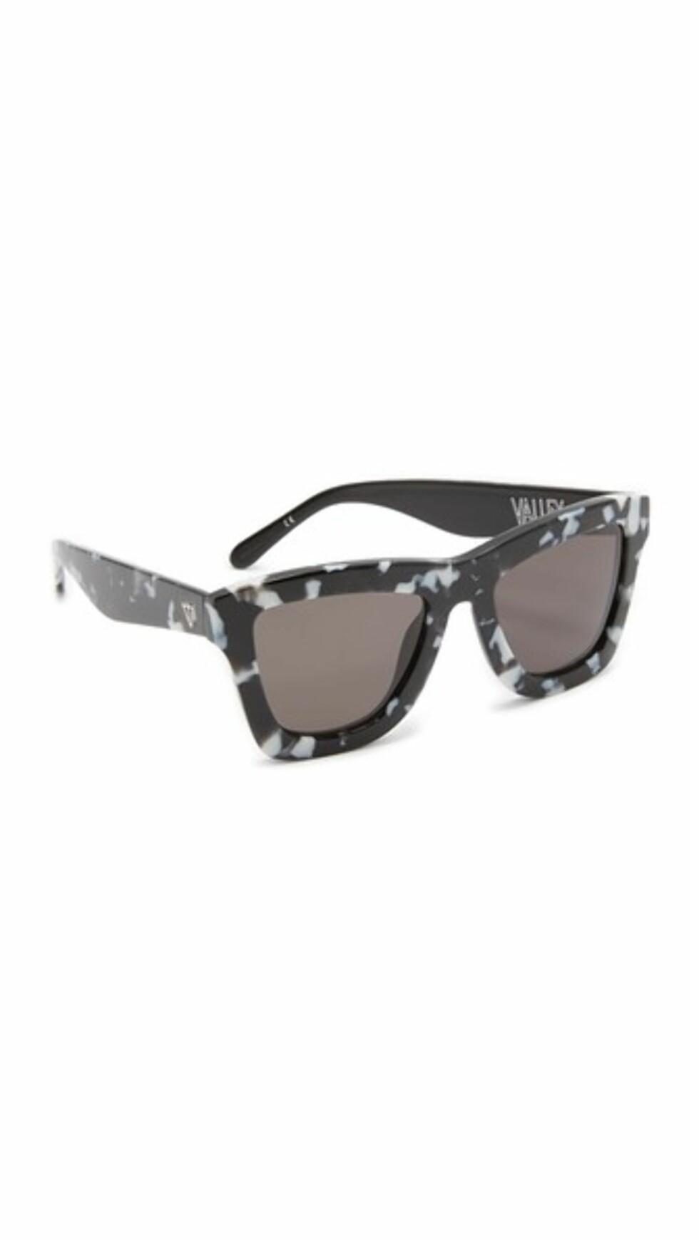Solbriller fra Valley Eyewear via Shopbop.com   kr 1673   https://www.shopbop.com/sunglasses-valley-eyewear/vp/v=1/1563954889.htm?folderID=13558&fm=other-viewall&os=false&colorId=72392
