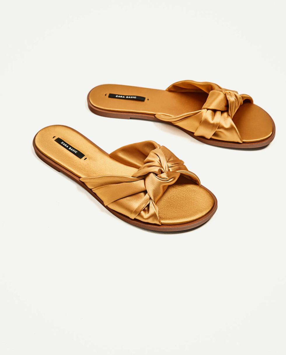 Sandaler fra Zara | kr 199 | https://www.zara.com/no/no/salg/dame/sko/se-alle/flat-sandal-med-sl%C3%B8yfe-i-sateng-c731580p4731502.html