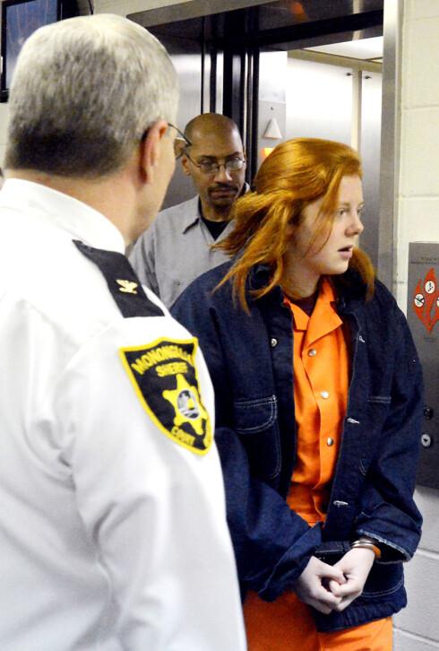 FIKK 30 ÅR BAK MURENE: Rachel Shoaf ankommer rettshøringen i februar 2014.  Hun innrømmet drap på venninnen og ble dømt til 30 års fengsel. Foto: NTB Scanpix