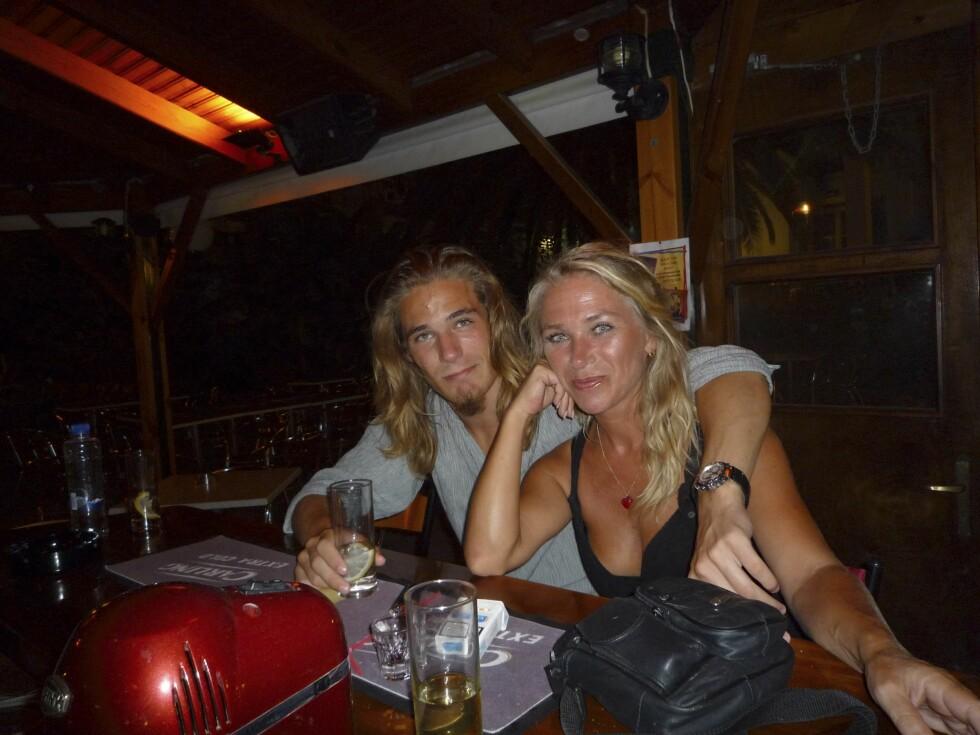 SOMMEREN 2010: Trine og Diderik på ferie i Hellas.  Foto: Privat
