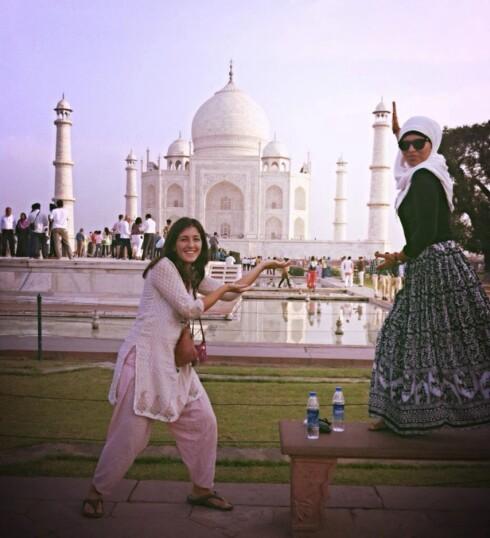 TROSSET FRYKTEN: Lara utfordret seg selv etter at Bano var borte, og dro blant annet til India, til tross for at hun var redd for å reise. Foto: Privat