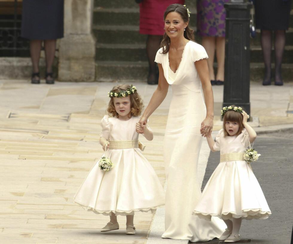 SKAPTE EN TREND: Da Kate Middleton giftet seg med prins William i 2011, vakte kjolen til søster og brudepike Pippa stor oppmerksomhet. Også for fargen.  Foto: Reuters