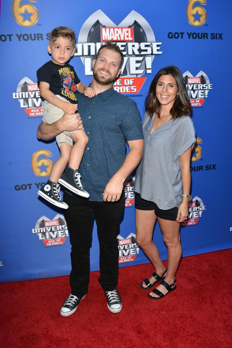 VENTER SITT ANDRE BARN: Jamie-Lynn Sigler og ektemannen Cutter Dykstra er gravide. Sønnen Beau (3) blir storebror. Foto: Splash News