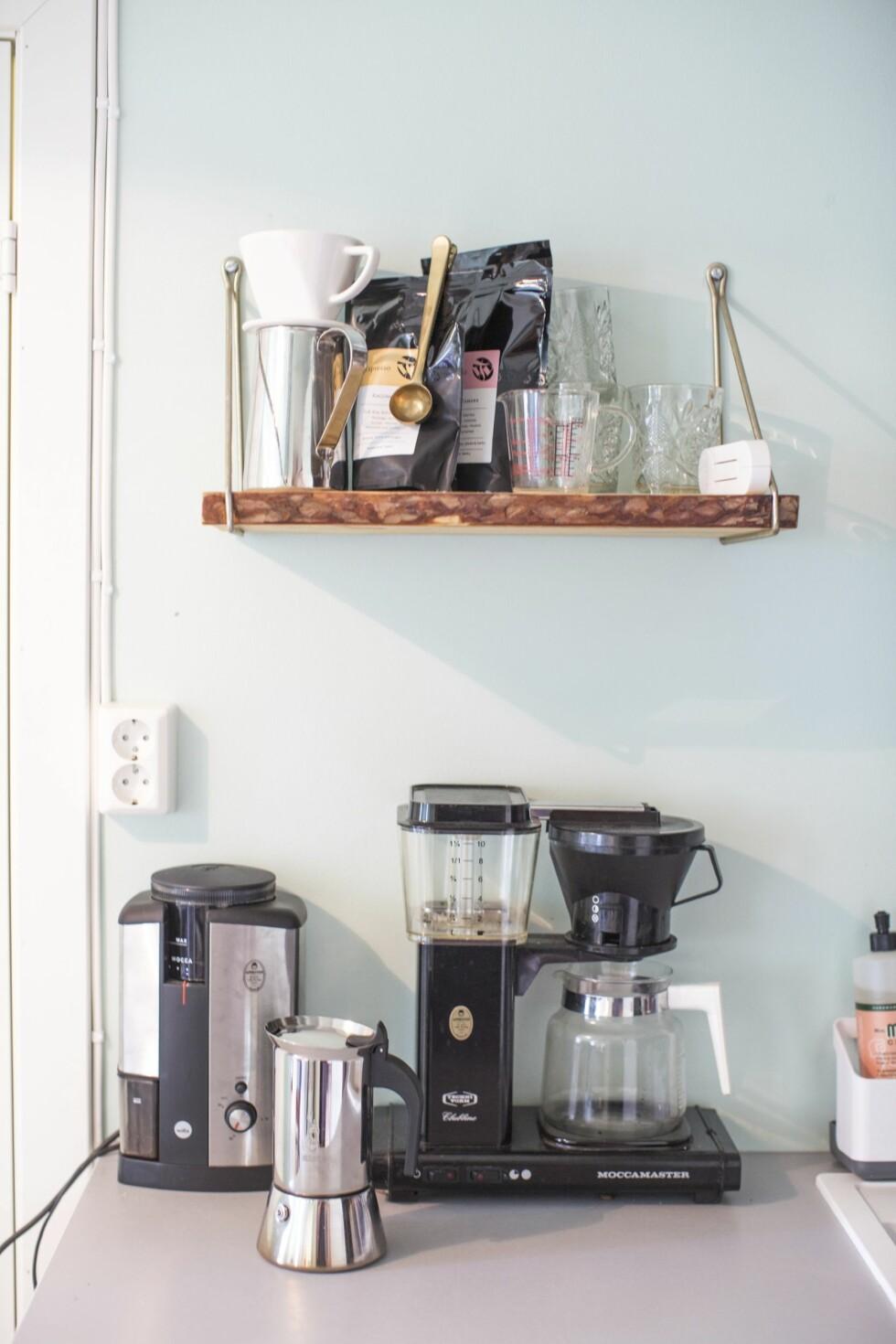 <strong>KAFFE PÅ NETT:</strong> Nymalt kaffe kjøpt på nett. Sånn sett ingen forskjell på London og Lærdal! Foto: Mariell Øyre