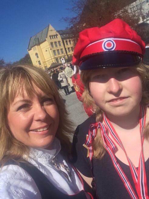 AKTIV 19 ÅRING: - I fjor syklet Mari birken på tandemsykkel – et stort ønske hun hadde hatt i mange år, forteller Berit.  Foto: Privat