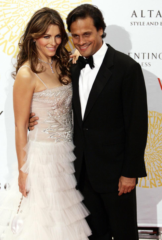 2007: Elizabeth Hurley sammen med eksmannen Arun Nayar. Paret skilte lag i 2011.  Foto: AP