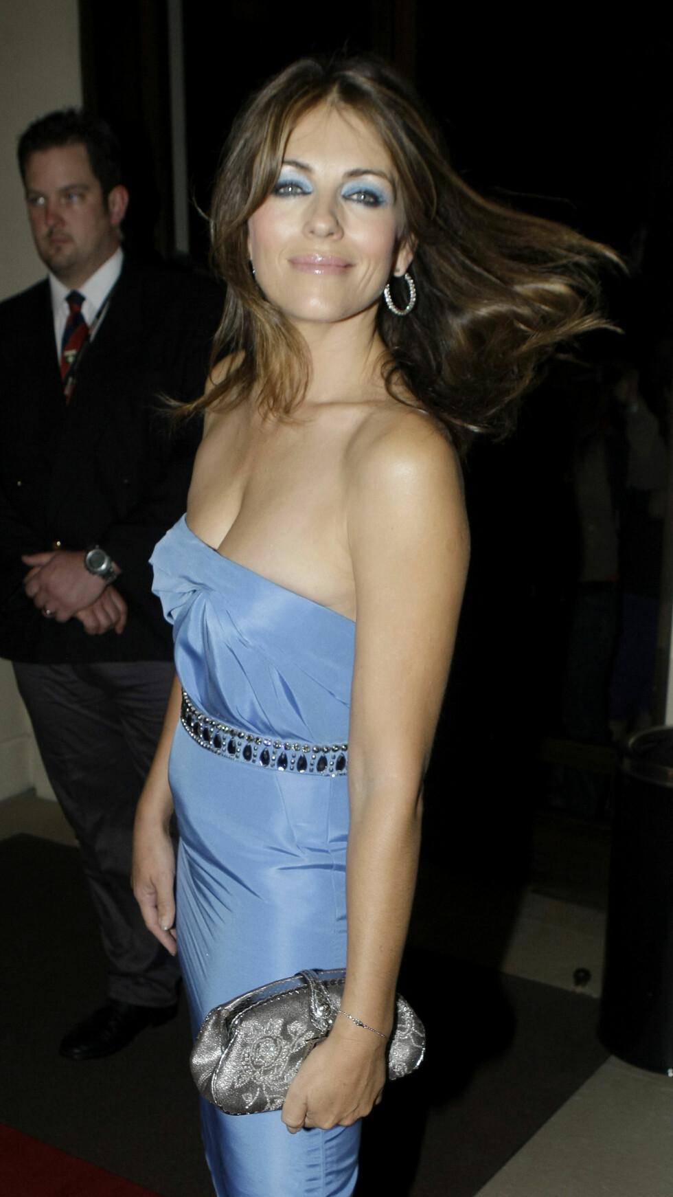 2009: Elizabeth Hurley på GQ Men of The Year-utdelingen. Foto: AP