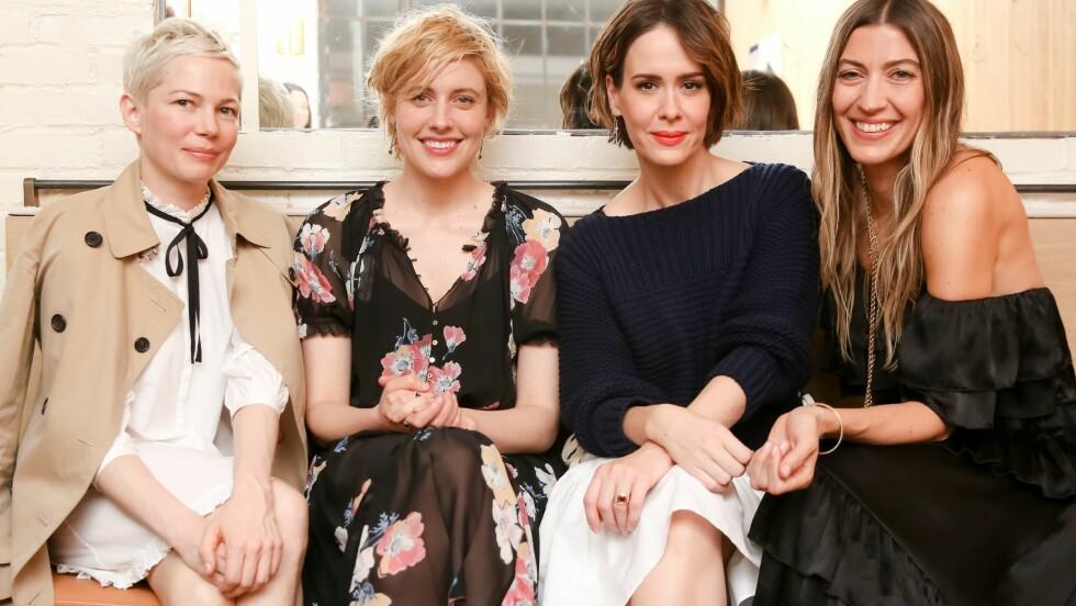 ULLA JOHNSON: Michelle Williams, Greta Gerwig, Sarah Paulson og Ulla Johnson.  Foto: Shutterstock