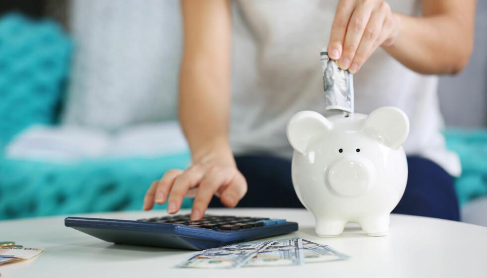 SPARE MER: Du kan spare mer penger på å endre måten du betaler regninger på. FOTO: NTB Scanpix