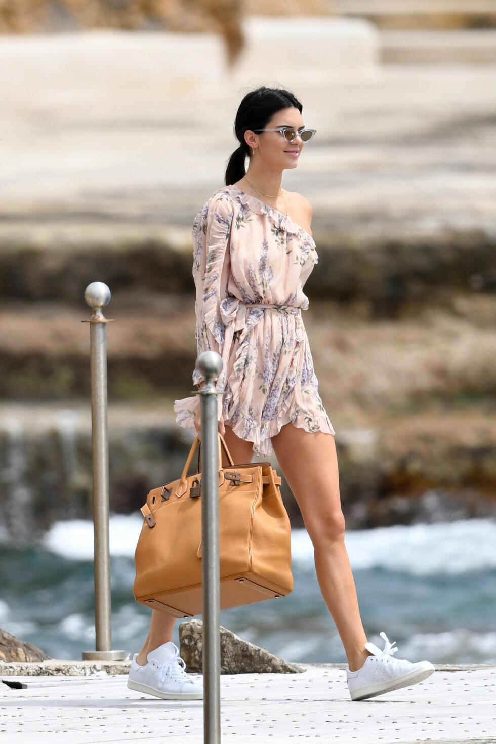 Kendall Jenner ankommer Hotel Du Cap Eden Roc i Antibes, Frankrike Foto: Splash News