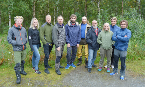 DELTAKERNE: Fra venstre: Stian, Tone, Kjartan, Cato, Jostein, Terje, Svein, Maren, Sigbjørn og Jens. Foto: TV 2