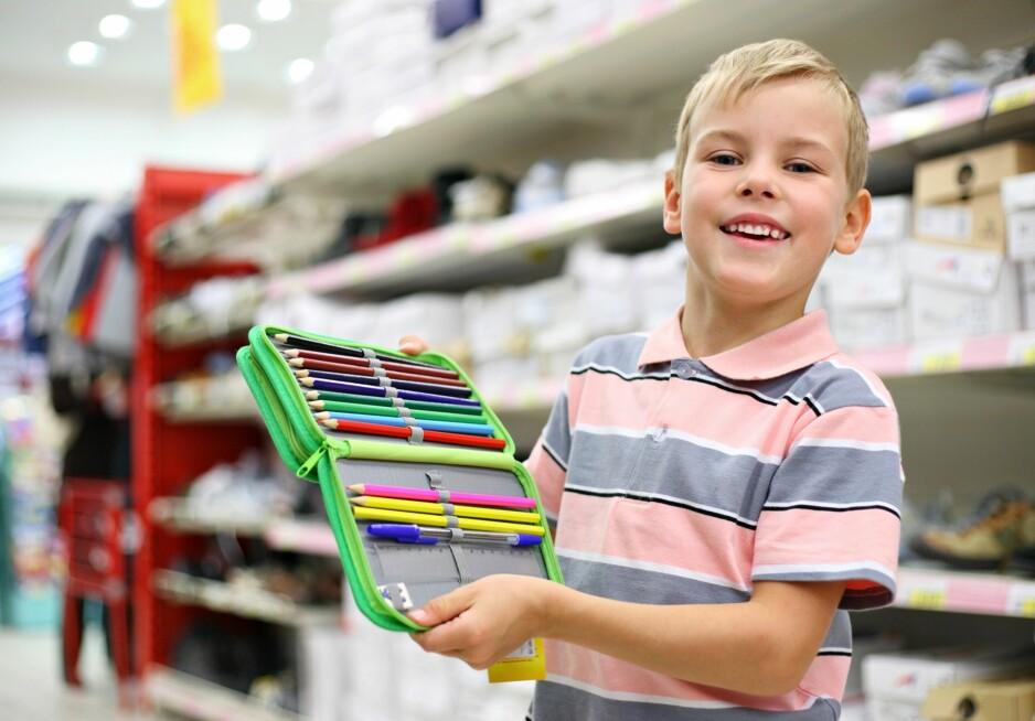 SKOLESTART: Nye klær, ny sekk og nytt pennal - eller er det ok å bruke det man hadde i fjor? Foto: NTB Scanpix