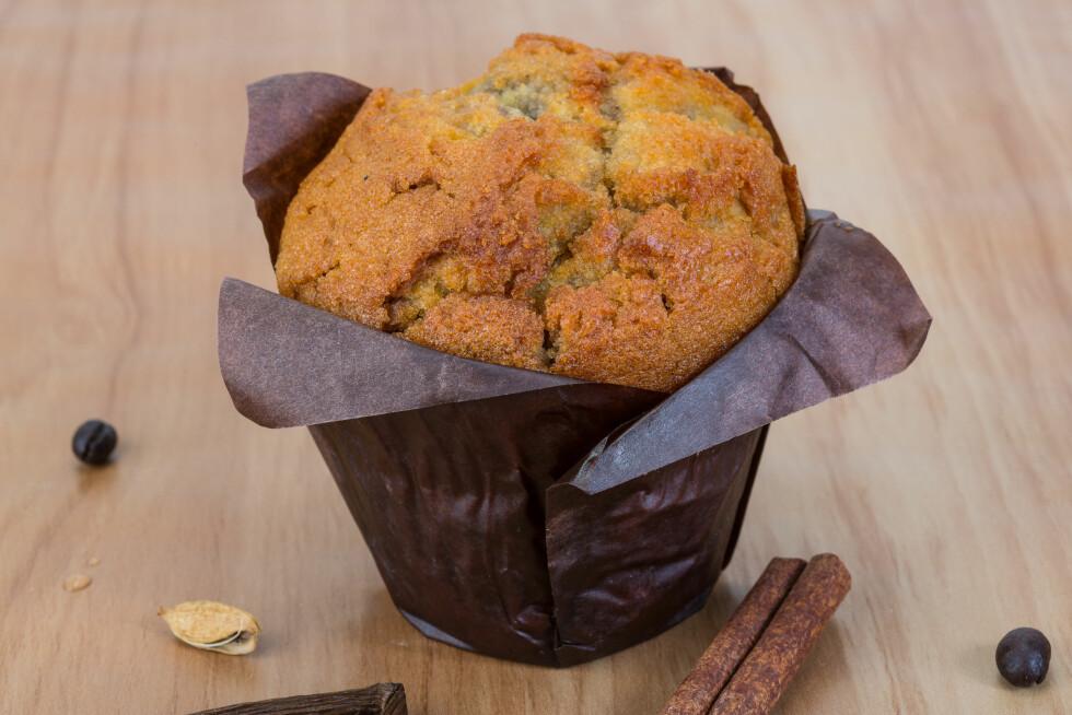 VERSTINGEN: Den som inneholder aller mest kalorier blant bakevarene er muffinsen. Den har både mye fett OG sukker, og du sparer ikke så mye på å velge den med blåbære heller. En blåbær-muffins inneholder 570 kalorier, mens en sjokolademuffins inneholder 640. Foto: Andrey Starostin - Fotolia