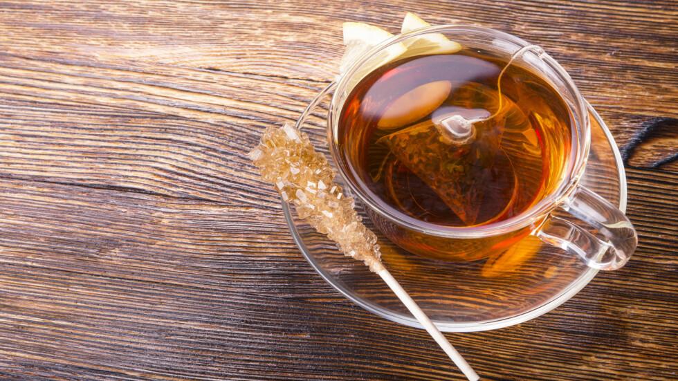 HVILKEN TE BØR DU DRIKKE? Det er forskjell på te, men først og fremst bør du drikke teen du synes smaker best! Foto: vladi_mir - Fotolia