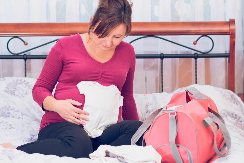 <strong>PAKK I GOD TID:</strong> Det anbefales at du pakker sykehusbagen din omtrent tre uker før termindatoen. Da har du som regel god tid til å sørge for at det viktigste er med.  Foto: Przemek Klos - Fotolia