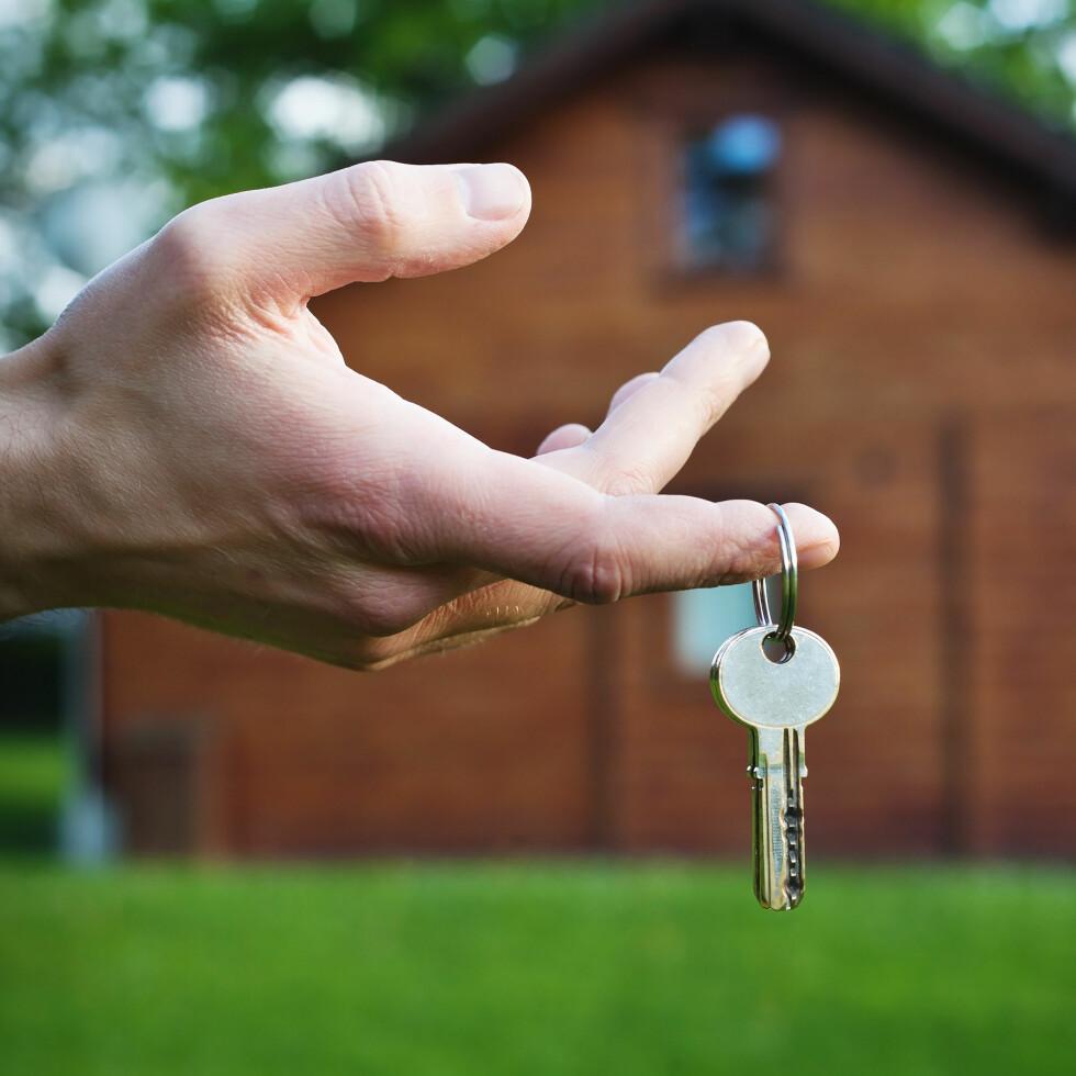 FØLES TRYGT Å LEIE UT: I Airbnb-systemet får både utleiere og leietakere sette karakter på hverandre, noe som gjør det tryggere å leie ut leiligheten sin.  Foto: anyaberkut - Fotolia