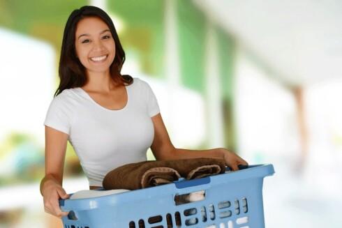 <strong>I ETT SMEKK:</strong> Lett litt ekstra energi i husarbeidet. Ikke bare blir du ferdig fortere, du får også trent. Foto: NTB-Scanpix