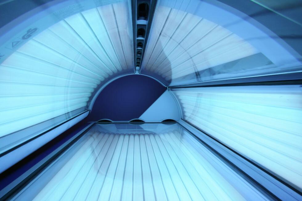JUKSEMÅTEN: Hvis du ikke er av typen som får selvbruning til å fungere, er alltids det gode gamle solariumet der for å ta vare på deg. Bare husk å være forsiktig med mengden! Foto: Piotr Mitelski - Fotolia