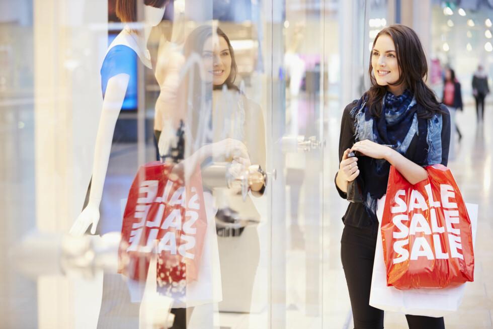 HVITE SHOPPINGLØGNER: Har du også vært på «salg» igjen?  Foto: NTB Scanpix