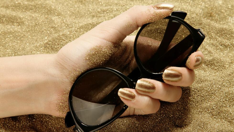 NEGLER: Generelt så vokser neglene raskere i sommermånedene. Ifølge Ann-Kristin Stokke, fagsjef for hudpleieklinikken Skintific, så skyldes det at varmere temperaturer gir økt blodgjennomstrømning og mer næring til neglene.  Foto: deniskomarov - Fotolia