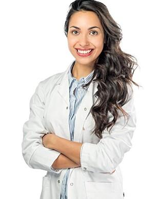 EKSPERTEN: Rolah O. Lønning, er kosmetisk lege på BeWell klinikken og har skrevet boken «Frisk hud». Foto: Privat.