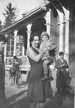 REDDET 14 BARN: Nina Meyer kom selv til Norge som flyktning i 1936. Hun ble etter hvert bestyrer for et jødisk barnehjem i Oslo. Etter at krigen brøt ut flyktet hun og barna til Sverige hvor de oppholdt seg til krigens slutt. Foto: Privat foto i Nina Grünfelds eie.