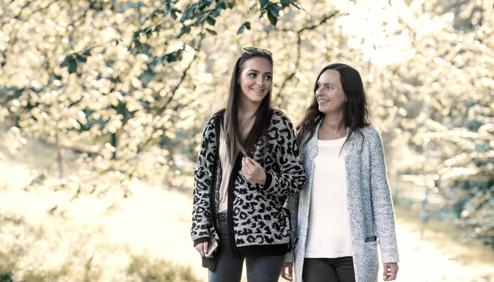 ANDREA VOLL VOLDUM: Wenche Voll er en enorm støtte for datteren Andrea. Wenche forteller til KK at hun ikke var klar over hvor lang tid det ville ta å bearbeide en slik hendelse. Foto: Astrid Waller