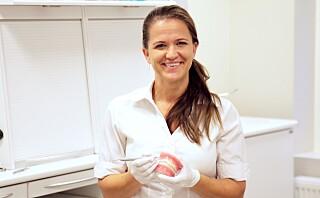 Ingrid (38) er en av få som har spesialisert seg på tannlegeskrekk og «usynlig» tannregulering