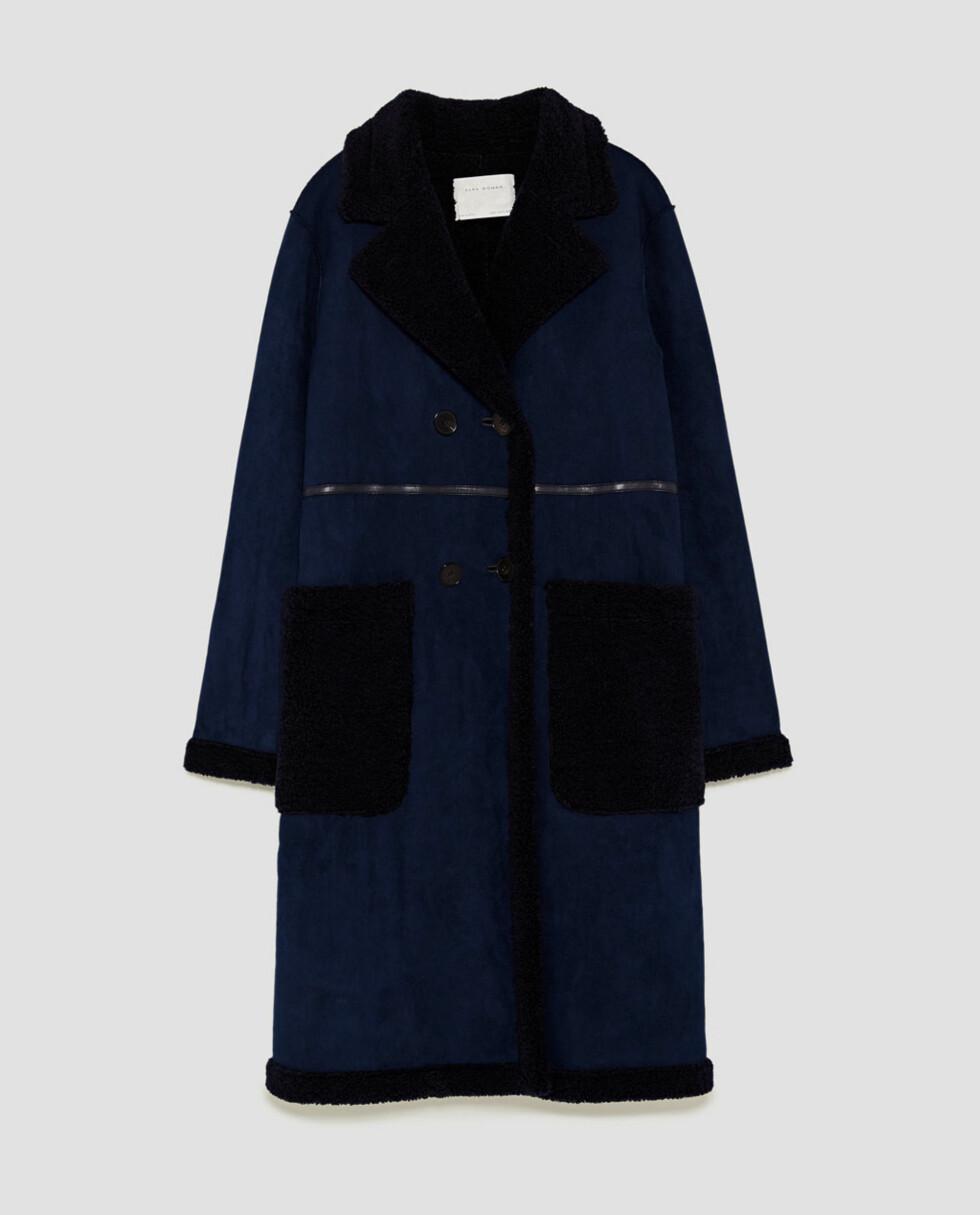 Blå kåpe fra Zara  999,-  https://www.zara.com/no/no/dame/vinterjakker/se-alle/dobbeltsidig-k%C3%A5pe-c733882p5148079.html