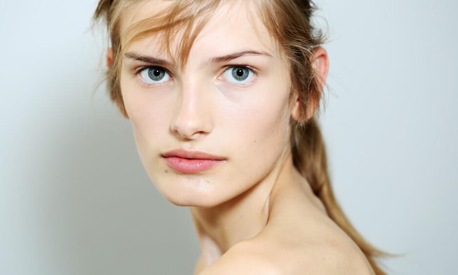 <strong>SIGNE VEITEBERG:</strong> Den norske modellen gikk denne uken visning for Prada i Milano. Her blir hun tatt bilder av backstage. FOTO: NTB Scanpix