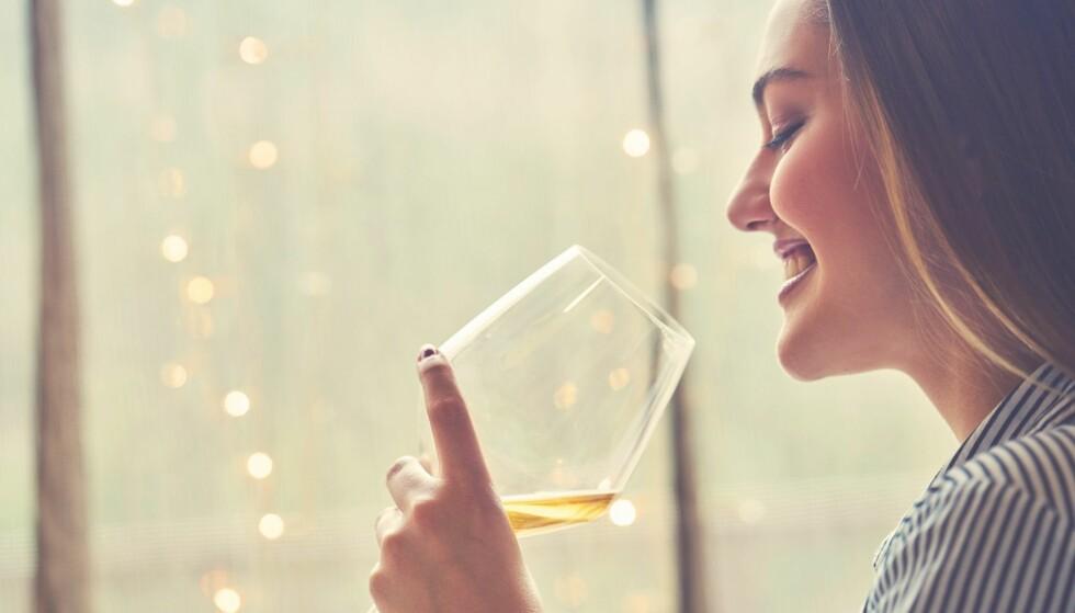 HOLDBARHET PÅ VIN: Du skal bare ha ett glass, men hva skjer da med resten av flaska? FOTO: NTB Scanpix
