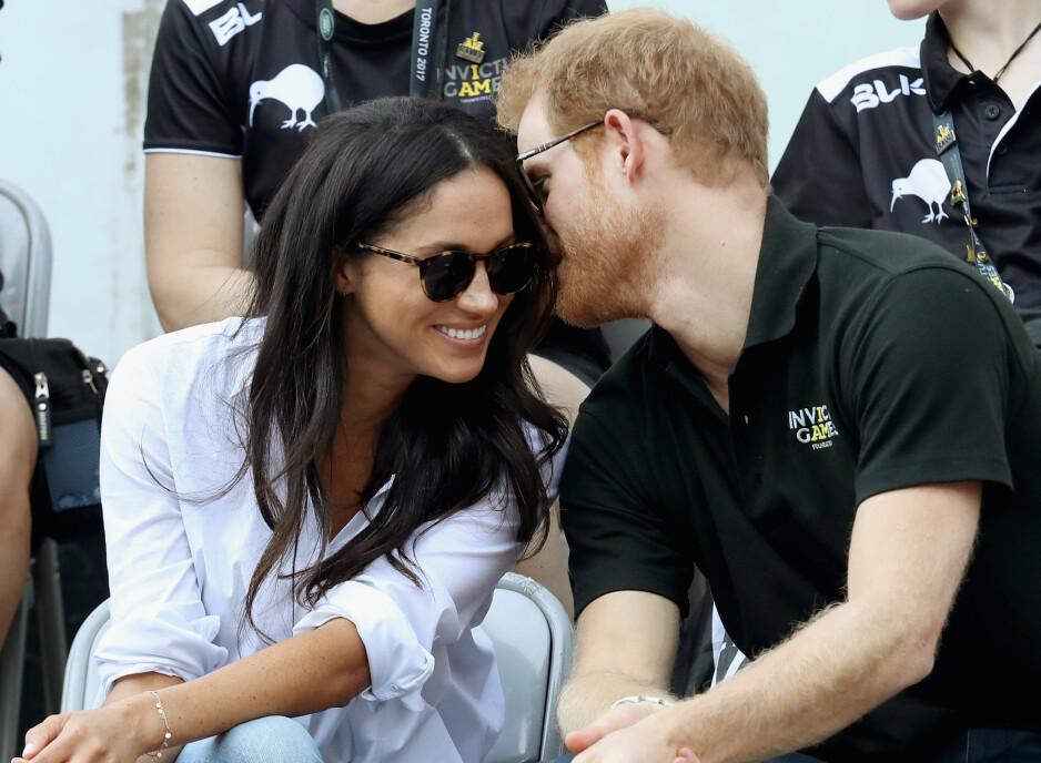 PRINS HARRY OG MEGHAN MARKLE: Den britiske prinsen tok med seg kjæresten Meghan Markle på Invictus Games i Toronto i slutten av september - og dette var den aller første offisielle opptredenen for paret. FOTO: NTB Scanpix