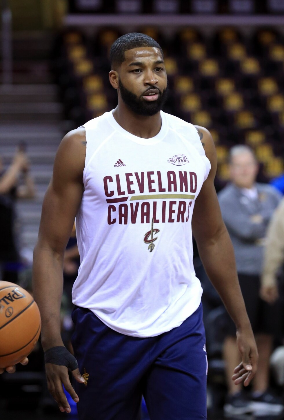 Tristan Thompson (26) spiller basketball for Cleveland Cavaliers.