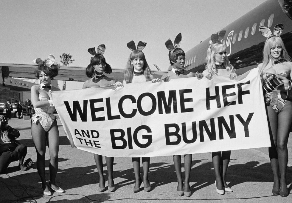 """HØYTFLYVENDE: Hefner kjøpte eget privatfly som fikk navnet """"Big Bunny"""" og kostet 5.5 millioner dollar. Her fra første tur i februar 1970."""
