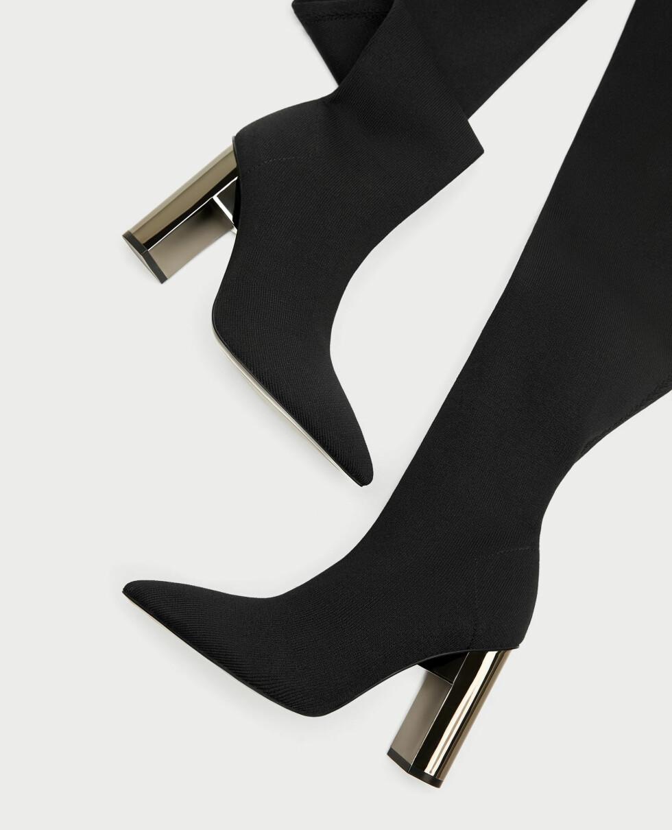 Sko fra Zara  799,-  https://www.zara.com/no/no/dame/sko/se-alle/h%C3%B8y-elastisk-h%C3%B8yh%C3%A6lt-st%C3%B8vel-c734142p5094026.html