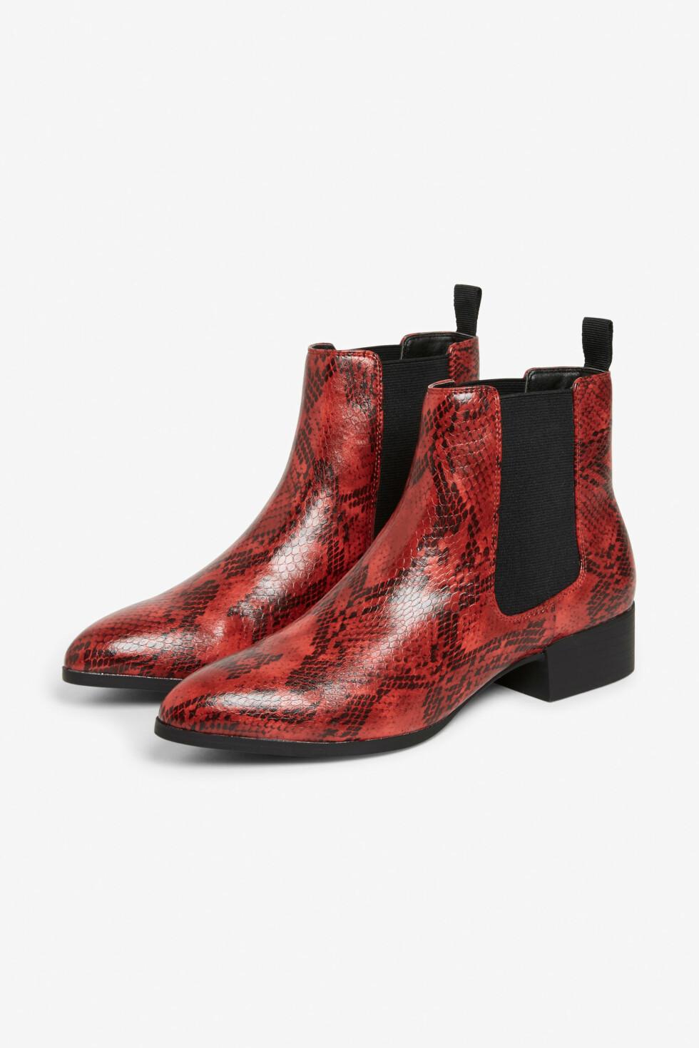 Sko fra Monki  420,-  http://www.monki.com/gb/Shoes/Chelsea_ankle_boots/65007-30152766.1#c-49929