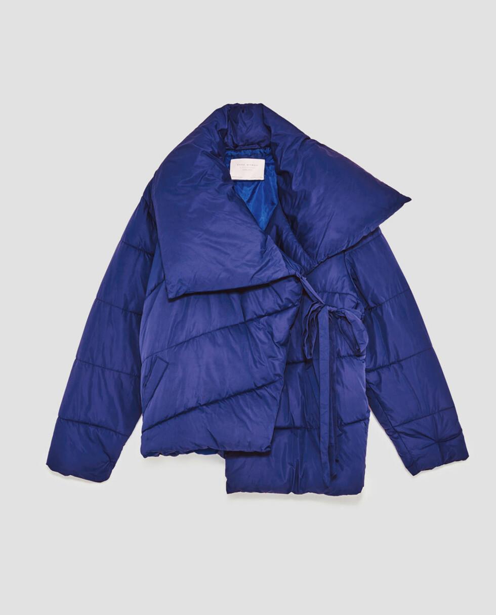 Jakke fra Zara |599,-| https://www.zara.com/no/no/dame/nyheter/asymmetrisk-vattert-jakke-c840002p5134035.html