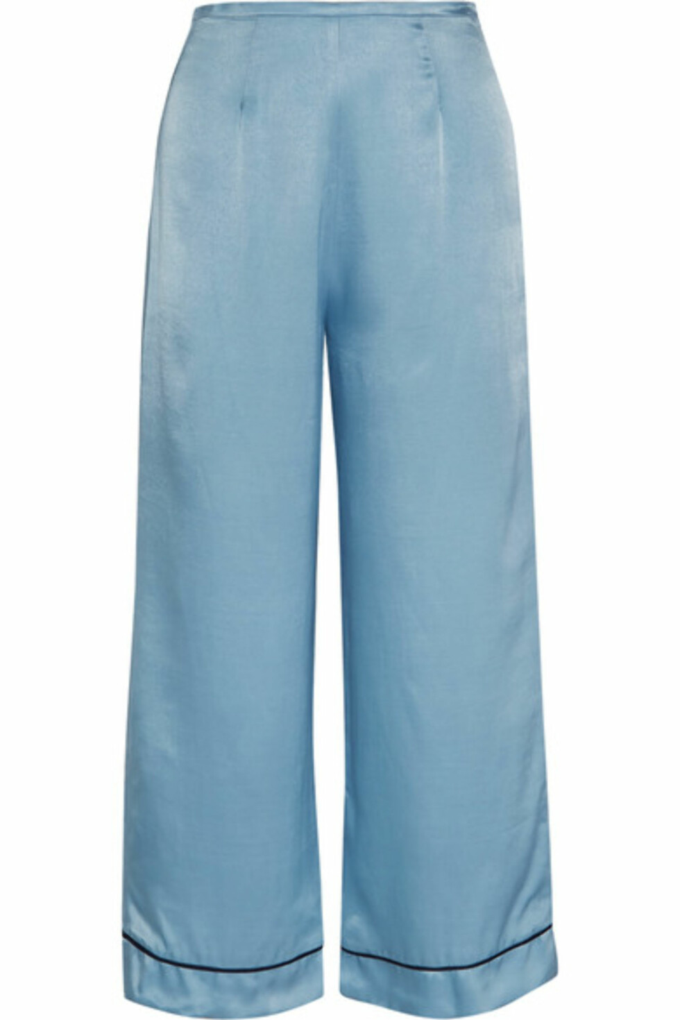 Bukse fra Staud via Net-a-porter.com |1080,-| https://www.net-a-porter.com/no/en/product/931301/staud/pietro-cropped-satin-wide-leg-pants