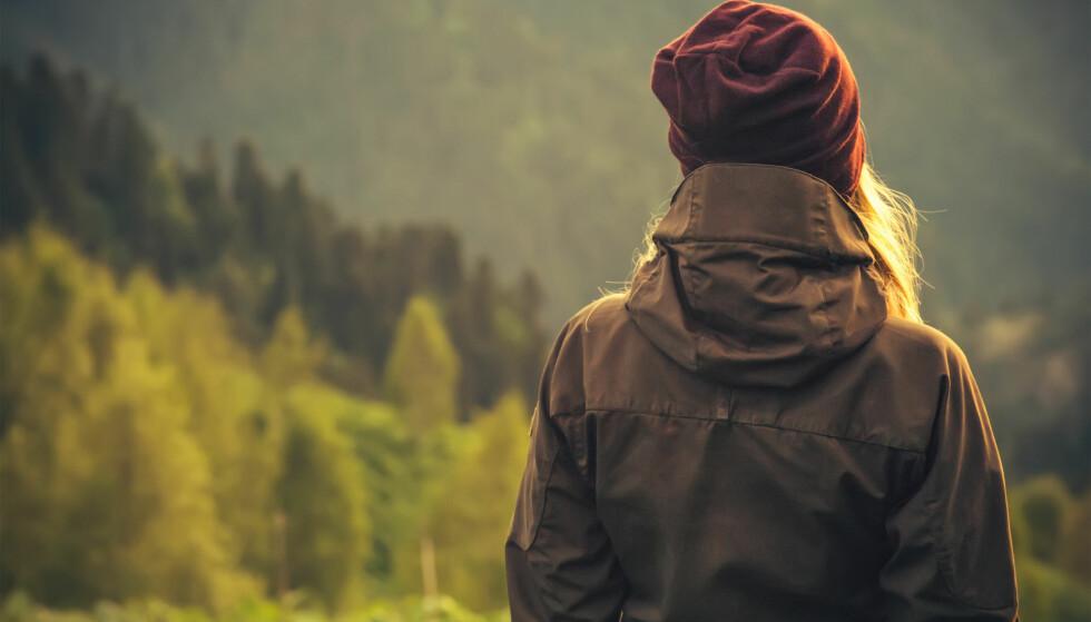 ENSOMHET: Føler vi oss mer ensomme jo eldre vi blir? FOTO: NTB Scanpix