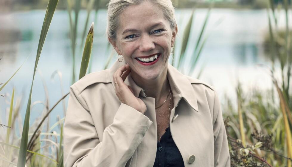 MAJA LUNDE: Maja Lunde brakdebuterte som voksenforfatter med Bienes historie 2015, som har hatt et eventyrlig salg i Norge og utlandet. Nå kommer oppfølgeren Blå. Foto: Astrid Waller