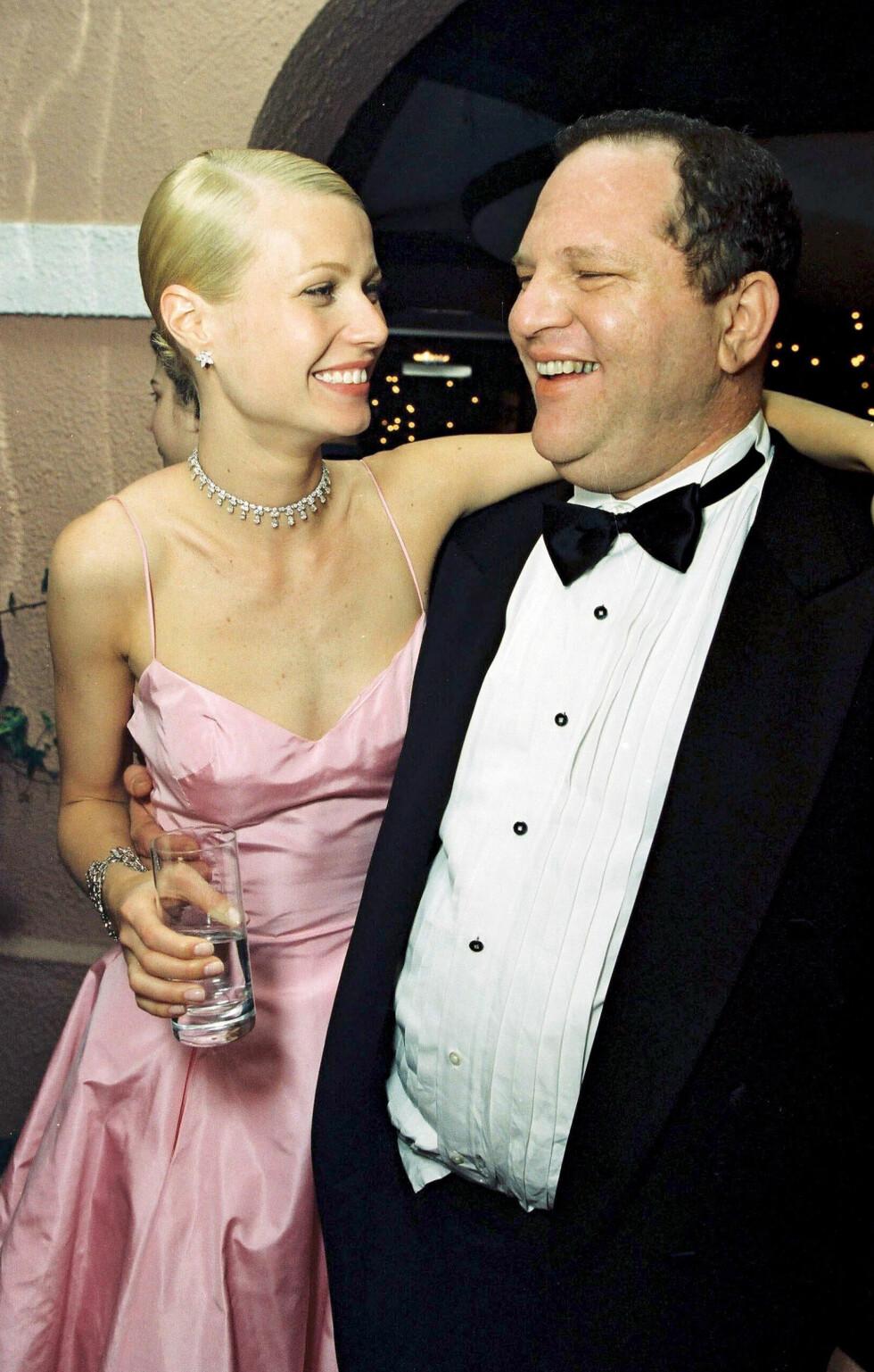 FALSKE SMIL: Bak fasaden skjulte det seg vonde opplevelser forklarer Gwyneth Paltrow til The New York Times. Dette bildet er tatt på Oscar-etterfesten i 1999. Foto: NTB Scanpix
