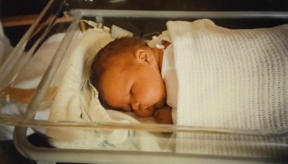 STOR BABY: Bjørn-Erik var så stor ved fødselen at sykehuskrybben nesten ble for liten. Foto: Privat