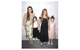 Lisa Marie Presley gjør alt for at tvillingdøtrene skal glemme den vonde familiesituasjonen