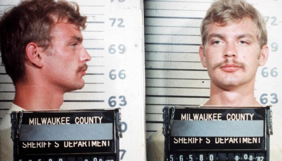 <strong>TRUE CRIME:</strong> Jeffrey Dahmer på et såkalt mugshot i 1982. Da ble han arrestert for blotting og fikk en bot på femti dollar. Fire år før dette hadde han drept sitt første offer. Foto: NTB Scanpix